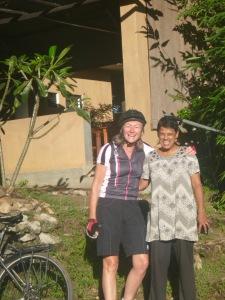 LInda and our hostess Ayesha saying goodbye.
