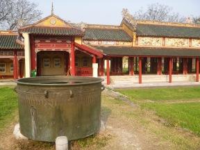 Big urn